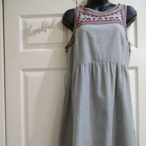 Old Navy Embroidered Trim Dress M